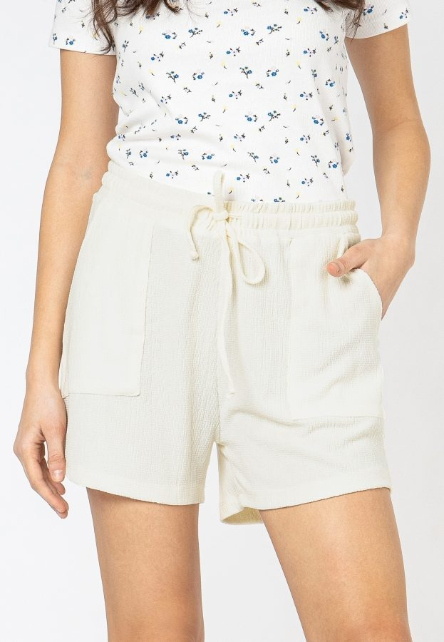 Shorts in Crepe-Optik